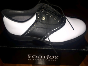 Golf shoes, size 11, new
