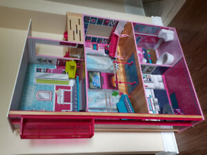 LIKE NEW IMAGINARIUM DOLLHOUSE!