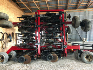 Case IH SDX 30 Drill and Cart