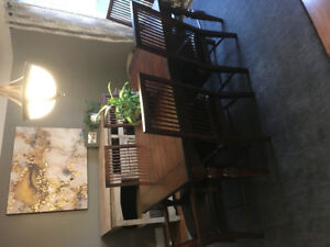 Large Dining Room / Kitchen Table + 6 Chairs - Good Condition