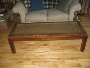 CONTEMPORARY CLASSIC COFFEE TABLE