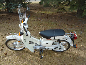 SPRINGS HERE! CLASSIC COLLECTIBLE  HONDA SCOOTER!