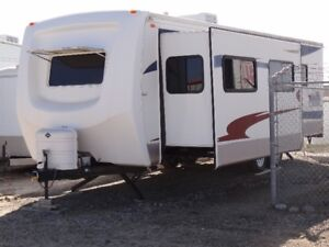 30 Ft Cardinal Travel Trailer