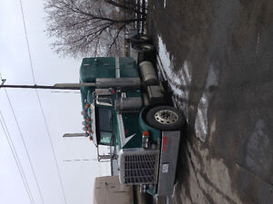 Pete 2005 very low kms with warranty