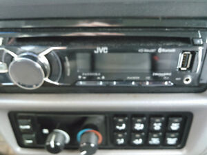 JVC KD-R840BT Brand new condition and all the bells and whistles