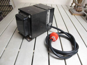 Heavy duty Hammond step up/down transformer 110V/220V 750VA