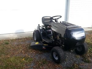 Yard Machines 14.5 HP Lawn Tractor for Sale 2016 Cornwall Ontario image 4