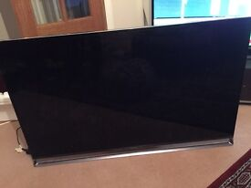4K 3D 50 inches Panasonic AX800 Series TV for spares or repairs - Broken Screen