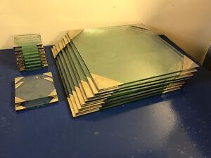 Ensemble 18 Sous-Plats Verre -Table 18 Under Plates Set in Glass
