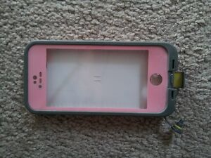 iPhone 5s LIFEPROOF phone case in almost new condition.
