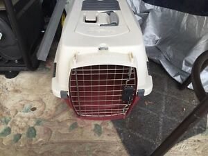Small pet kennel