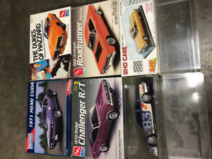 Muscle cars Hemi RT Models New in Plastic