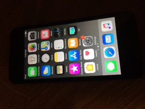 32g iPod Touch 6th Gen Perfect Condition