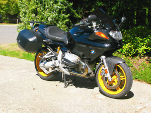 1999 BMW Sport Touring R1100S -- Excellent Condition
