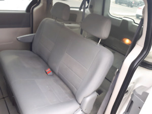 2008 dodge grand caravan stow n go