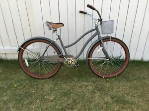 Ladies Huffy beach cruiser bike