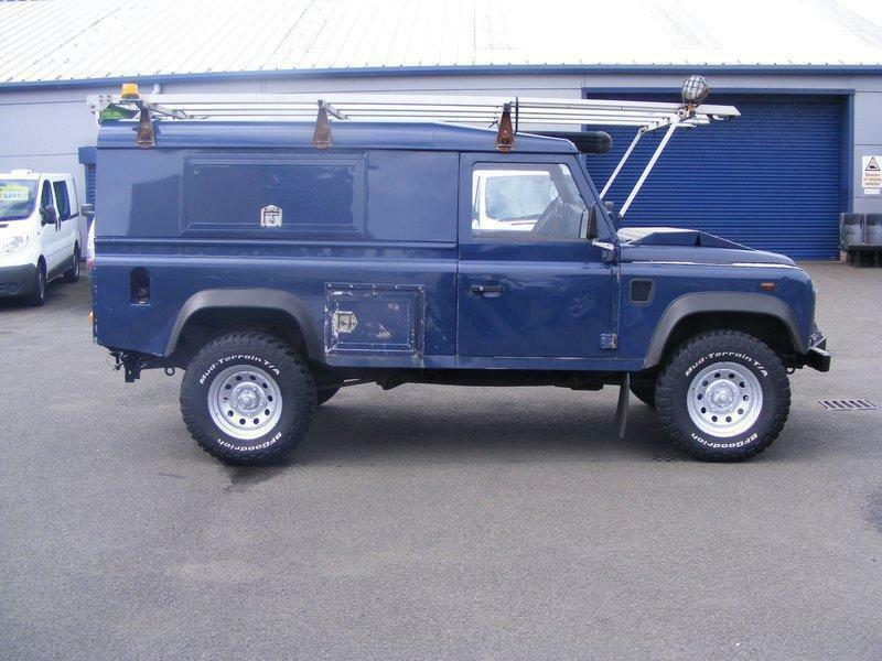 land rover defender 2 4td 90 station wagon in east end. Black Bedroom Furniture Sets. Home Design Ideas