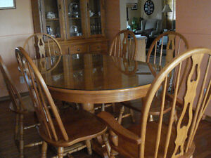 Solid Oak Dining Room Table with 6 chairs and China Cabinet