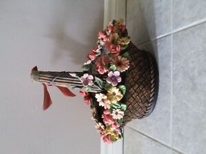DECORATIVE FLORAL CLAY PLANTER BASKET WITH HANDLE London Ontario image 7