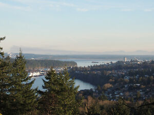 Beautiful Developement Property In Departure Bay