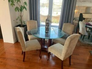 BEAUTIFUL BOMBAY DINING TABLE AND 4 CHAIRS