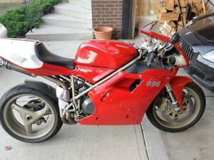 Ducati 1999 996s Italian rocket ship-Moving to BC