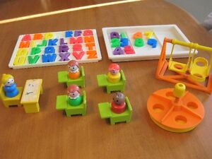 FISHER PRICE LITTLE PEOPLE VINTAGE SCHOOL LOT