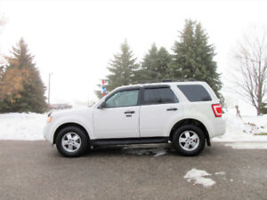 2009 Ford Escape XLT 4WD w/ Just 135K!!  NEARLY NEW SNOW TIRES!!