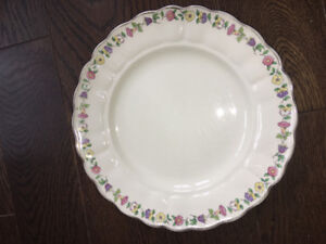 England Greenway pattern dinner plate.