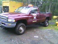 2001 dodge 2500 4x4 meyers plow,included.
