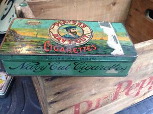 ANTIQUE PLAYER'S NAVY CUT TIN ENGLAND - PARKER PICKERS -