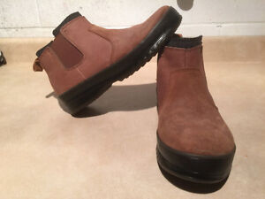 Men's WindRiver Warm Winter Slip-On Shoes Size 9