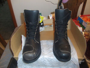 FOR  SALE;  MOTORCYCLE BOOTS