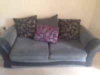 2 x Sofas / 2 x couches