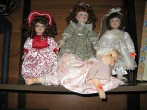 BEAUTIFUL PORCELAIN DOLLS -MAKE A GREAT PRESENT .