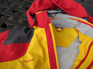 Exclusive Brand Jacket by VAUDE, size 14 unisex-like new Strathcona County Edmonton Area image 2