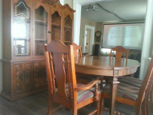 DINNING ROOM TABLE WITH CHINA CABINET