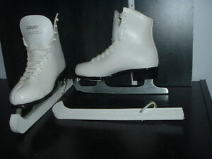 SIZE 3 BAUER FIGURE SKATES (USED ONCE)