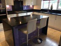 Kitchen- Fitted Kitchen White Gloss with black quartz worktop £2500