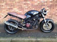 Ducati cafe racer 1000cc monster 2004