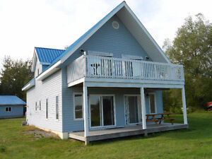 Lake Huron Waterfront     Year round Home/Cottage