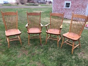 Set of 4 Solid Mennonite Kitchen Chairs
