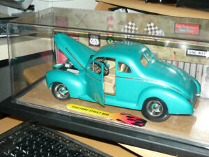 1940 Ford street rod 1:18 die cast display set in Smithville ON