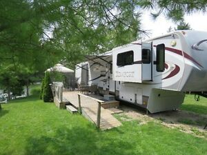 2013 Dutchman Komfort 3650FFL  5th Wheel