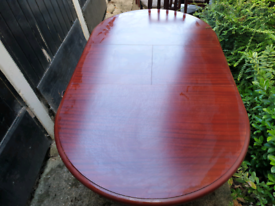 Mahogany Effect Dining Room Table and Chairs