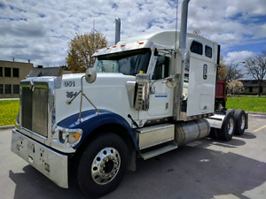 2007 International 9900 - Well Maintained
