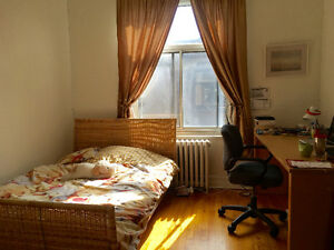 All Incl, Metro Vendome, Jun/Jul 1, furnished spacious sunny ro