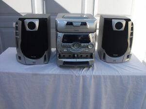 Retro Boom Box Stereo