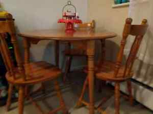 Selling chair/Kitchen table set.