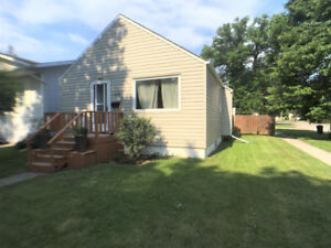 Adorable Southwest Bungalow with garage in Portage la Prairie